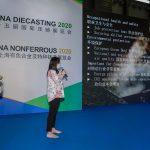 Le directeur des ventes de KMA Shanghai fait une présentation lors de la conférence CHINA DIECASTING 2020
