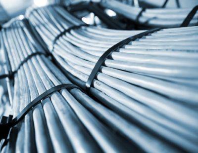 Systèmes de filtration d'air d'échappement et traitement olfactif pour l'industrie du caoutchouc et des matières plastiques